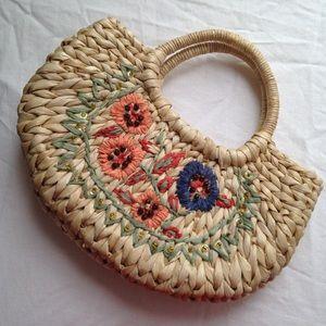True vintage straw bag